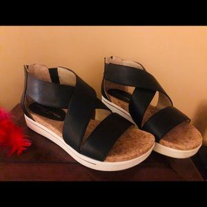 CLEARANCE Pretty Black💗Cork sandals 👡 Size 7 1/2